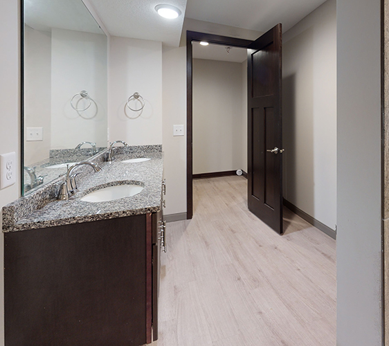 501-6th-Bathroom(1).jpg