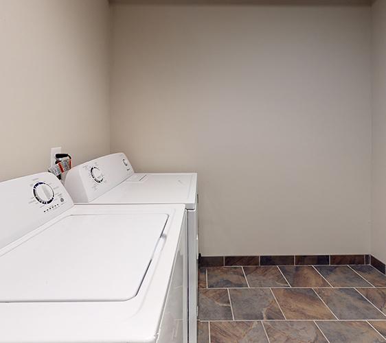 1091-15th-Ave-SE-Laundry.jpg
