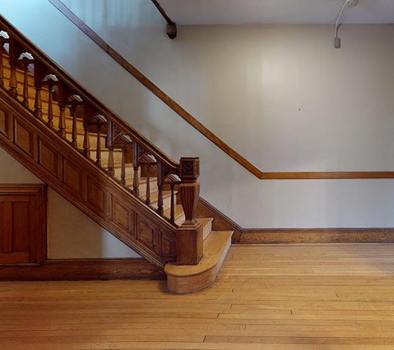 916-6th-St-SE-2-Staircase.jpg