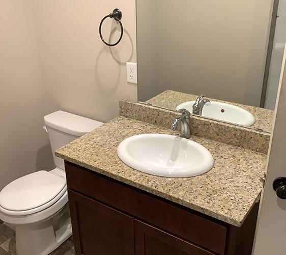 611 14th Ave SE Bathroom.jpg