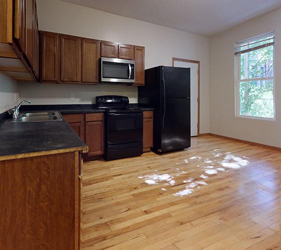 516-12th-Ave-SE-1-Kitchen(1).jpg