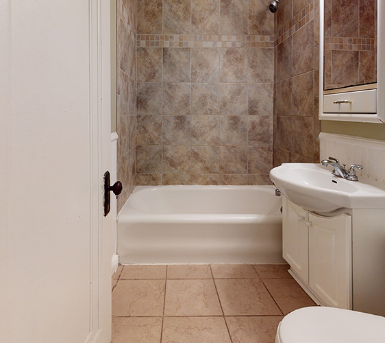 836-22nd-Ave-SE-Bathroom(1).jpg