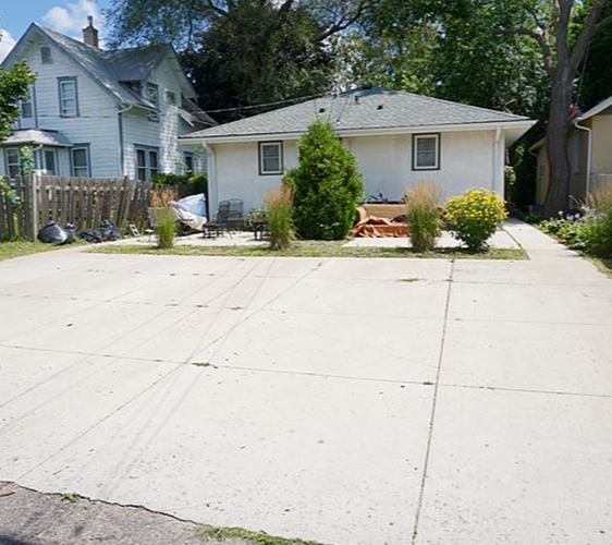 1097 25th Ave SE Backyard.jpg