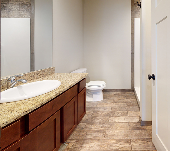 895-20th-Ave-SE-Bathroom.jpg