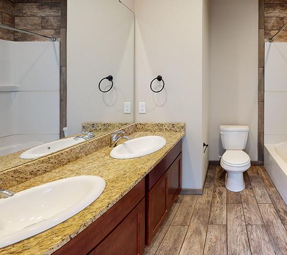 1105-6th-St-Bathroom.jpg