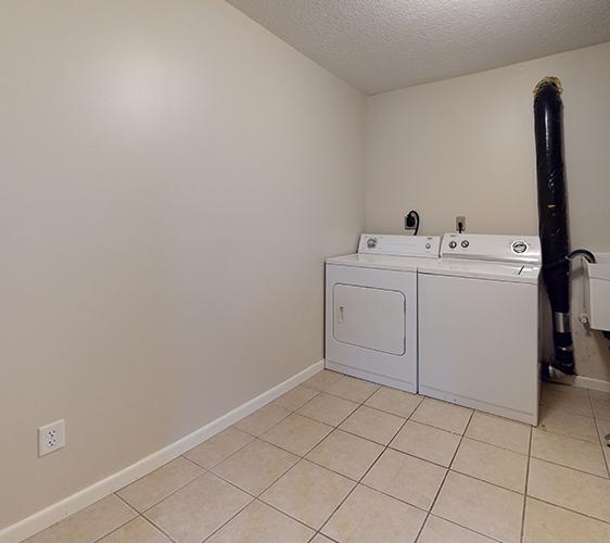 516-12th-Ave-SE-1-Laundry.jpg