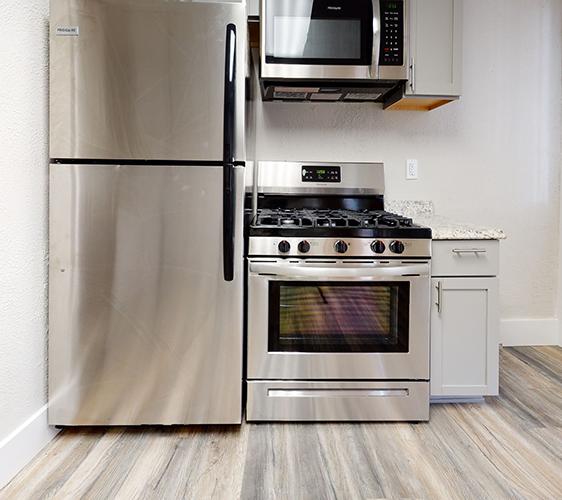 1311-Franklin-Ave-Lower-Kitchen.jpg