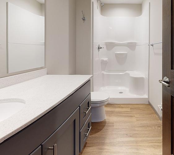 1319-Franklin-St-SE-5-Bathroom.jpg