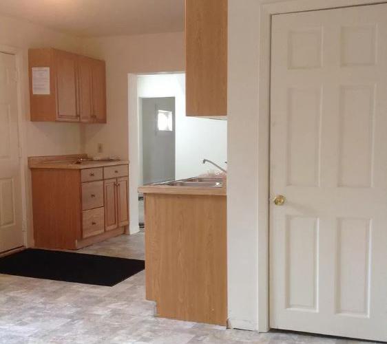 800 13th Ave SE Kitchen.JPG