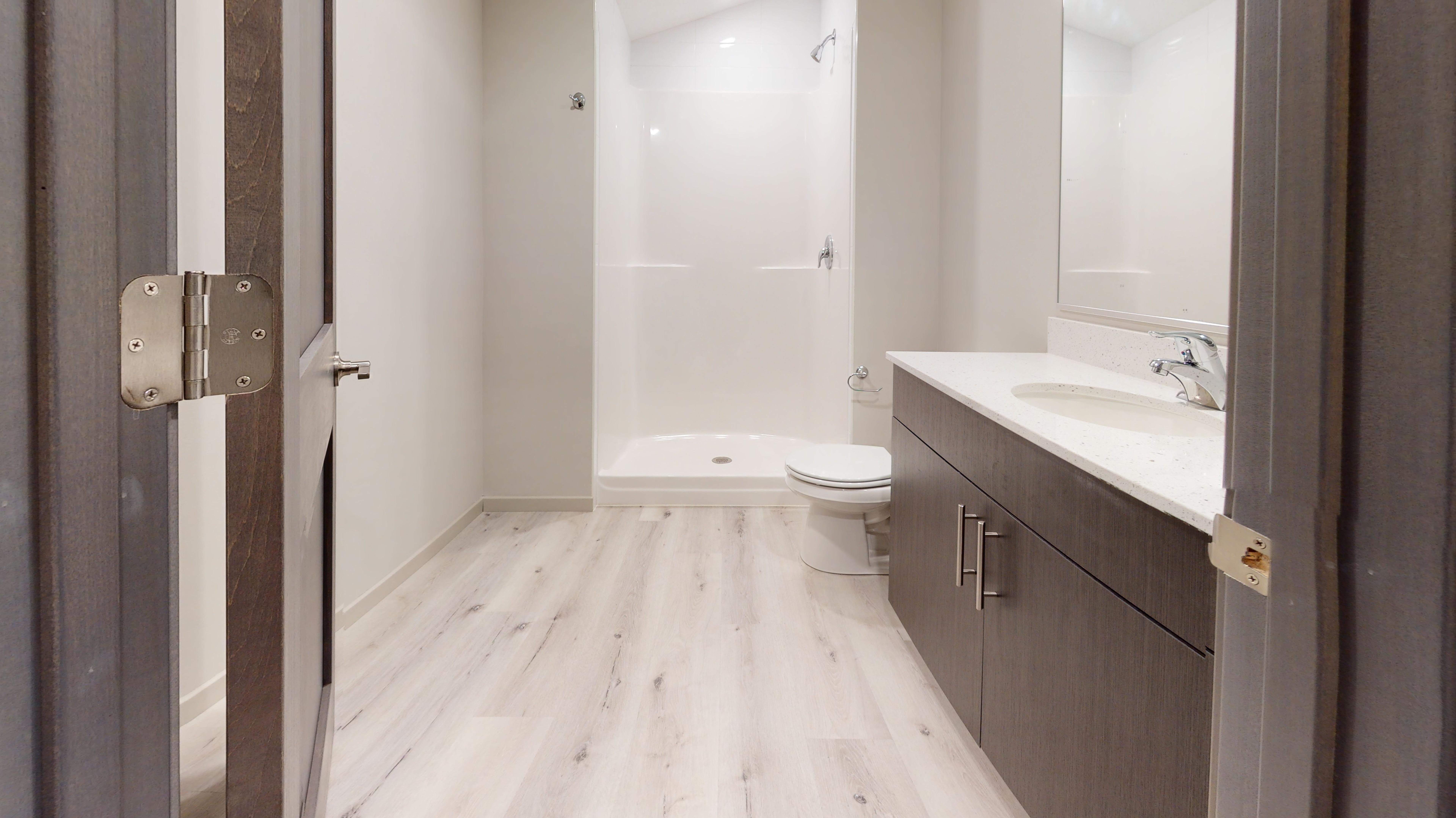 826-20th-Ave-2-Bathroom.jpg