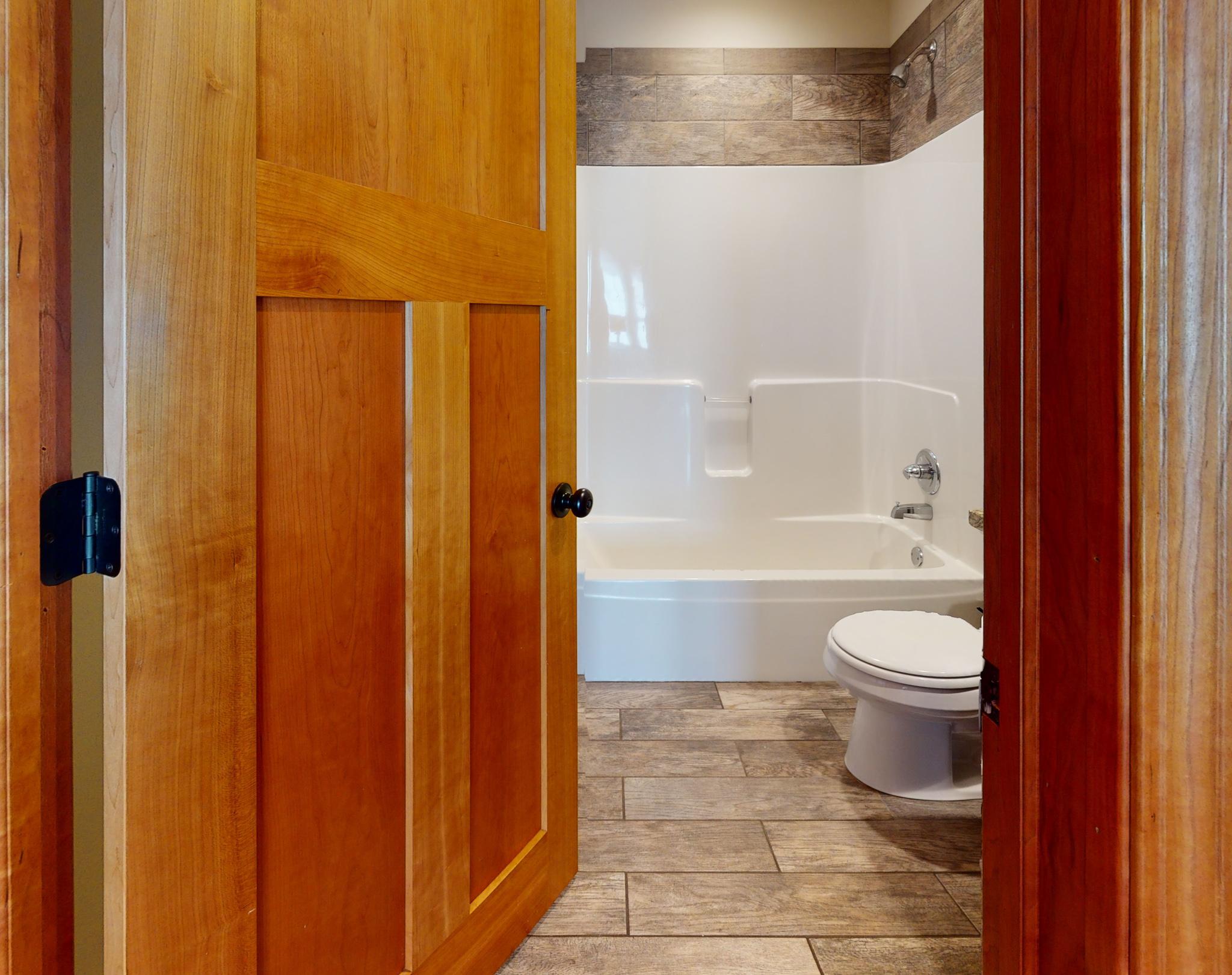 1002 13th Ave SE Bathroom