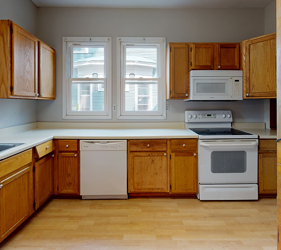 311-5th-Ave-SE-Kitchen.jpg
