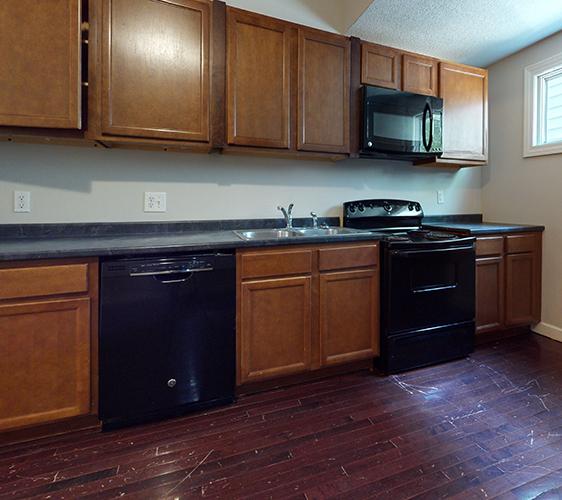 520-12th-Ave-SE-1-Kitchen(1).jpg