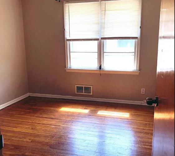 917 22nd Ave SE Bedroom.jpg