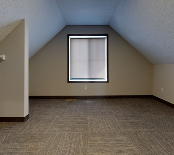 1022-12th-Ave-SE-2-Unfurnished.png