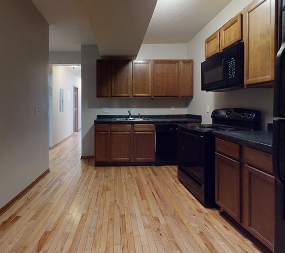 516-12th-Ave-SE-2-Kitchen.jpg