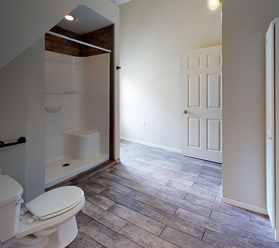 311-5th-Ave-SE-Bathroom.jpg