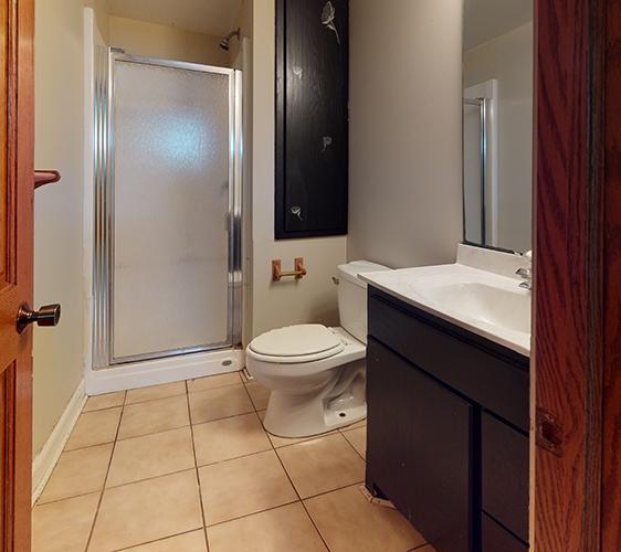 1042-20th-Ave-SE-Bathroom.jpg