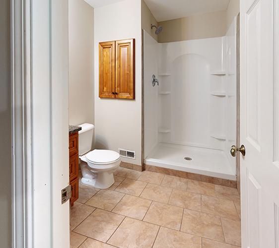 303-5th-Ave-Se-Bathroom(1).jpg