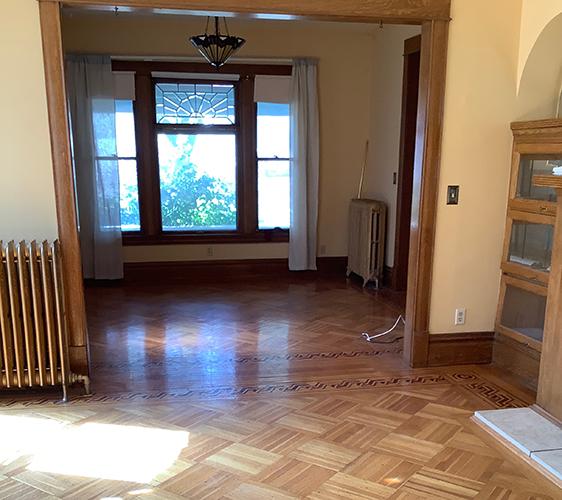 419 University Living Space.jpg