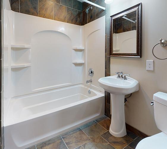 1091-15th-Ave-SE-Bathroom(1).jpg
