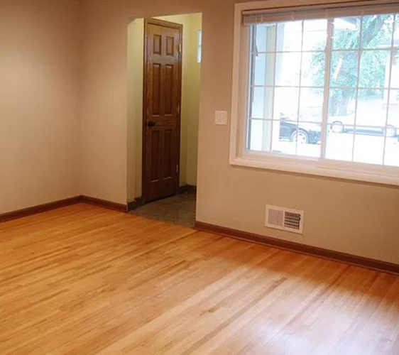 913 22nd Ave SE Living Space.JPG