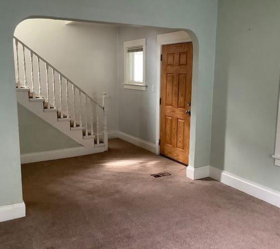 1040 22nd Ave SE Living Room.jpg