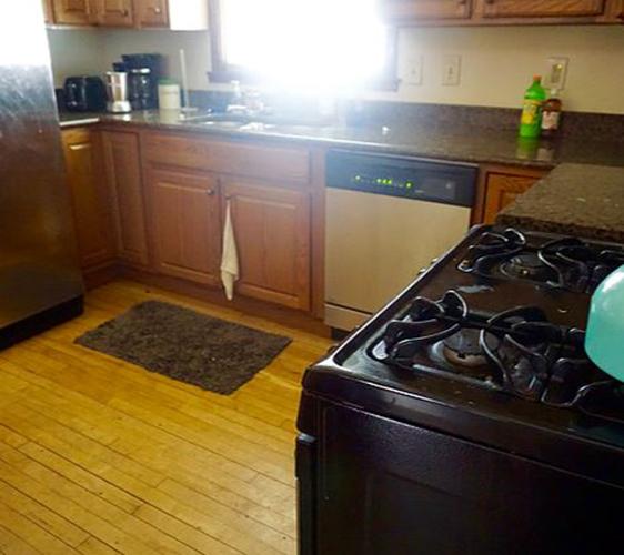 1030 19th Ave SE Kitchen.JPG