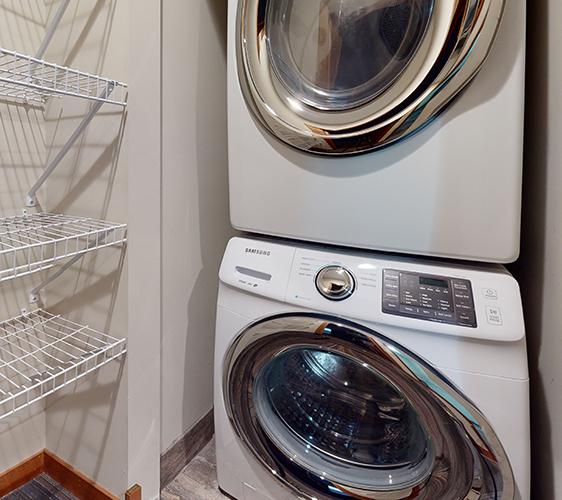 1200-1202-Como-Ave-SE-MODEL-Laundry.jpg
