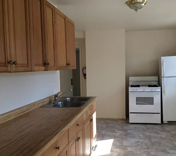 800 13th Ave SE Kitchen 2.JPG