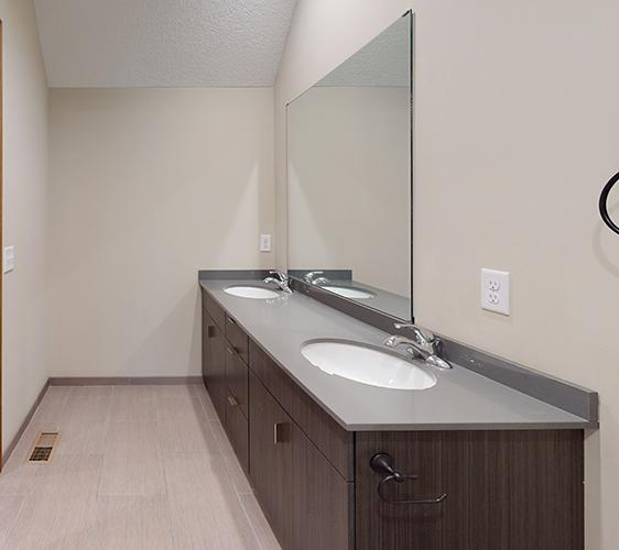917-6th-Burrows-Bathroom.png
