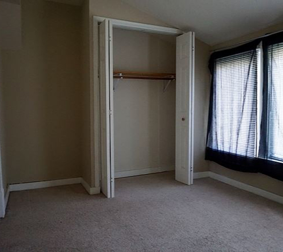 939 Weeks Ave SE Bedroom.JPG