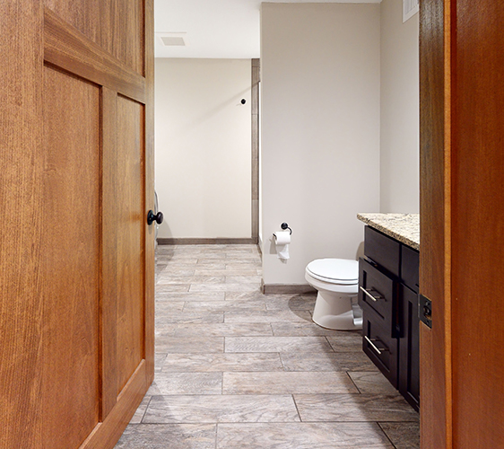 1055-13th-Ave-SE-Bathroom.jpg
