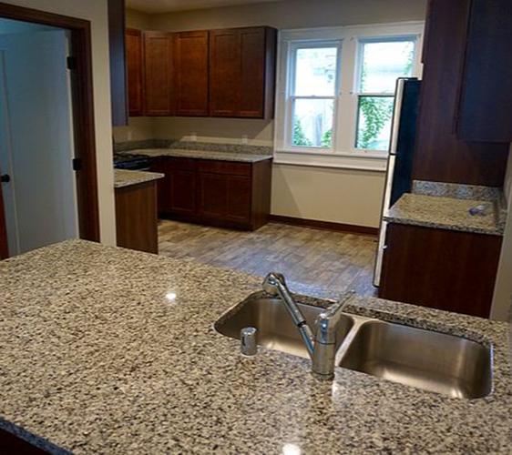 307 5th Ave SE Kitchen 2.jpg