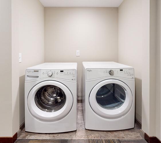 845-20th-Ave-SE-Lower-Laundry.jpg